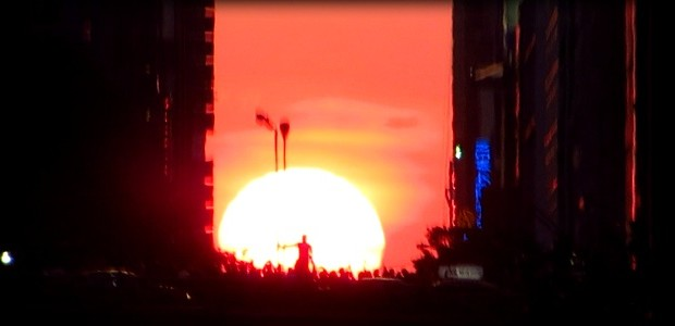 Manhattanhenge has become a New York phenomenon where in order to see it, you've got to dodge taxis, ignore screaming drivers and fight your way through the crowd to get […]