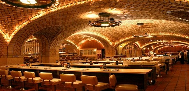 Grand Central Oyster Bar In The Basement Of The Terminal Is One Of New  Yorku0027s Culinary