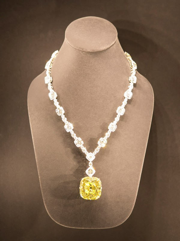 204 tiffany co and its priceless yellow diamond 1000 things tiffany diamond mozeypictures Image collections